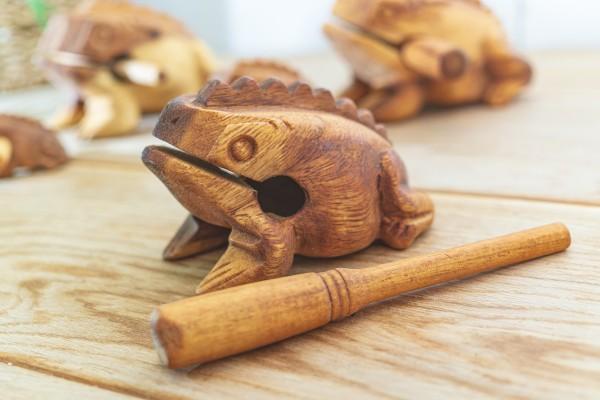 Klangfrosch verschiedene Größen, Holz