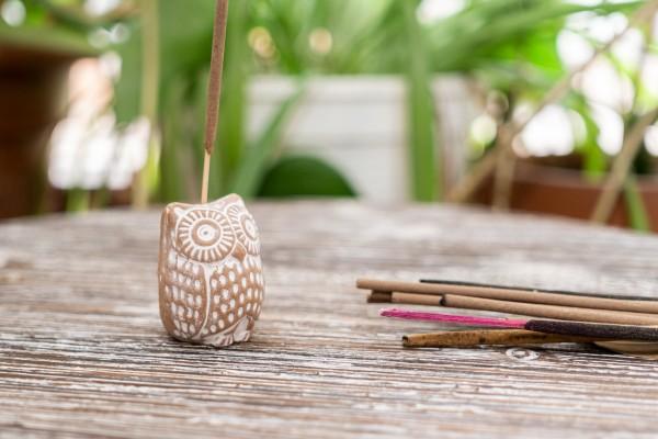 Kleiner Räucherstäbchenhalter Terracotta Eule