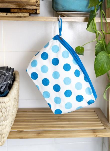 Waschbeutel Punkte blau weiß