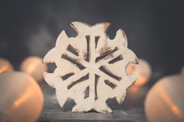 Deko Schneeflocke 15cm Holz weiß