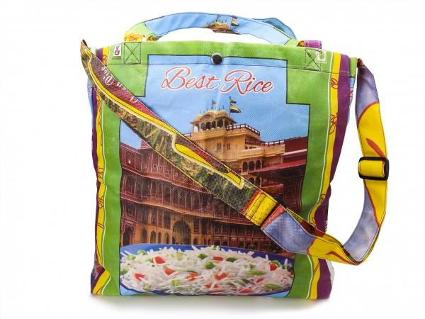 Einkaufstasche aus Reissäcken mit Henkel