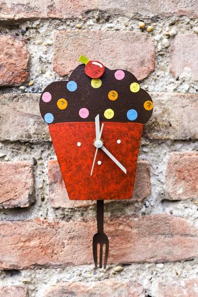 Wanduhr Cupcake,rot mit Gabel