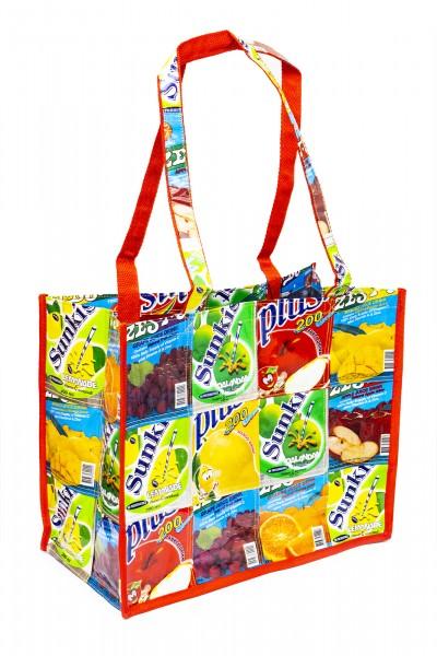 Tasche aus Saftpackungen