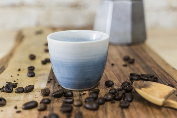 Espressotasse, blauer Verlauf